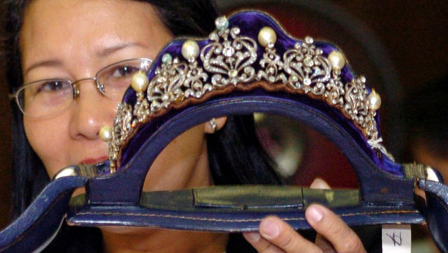 Imelda Marcos: Style icon, for better and worse 2