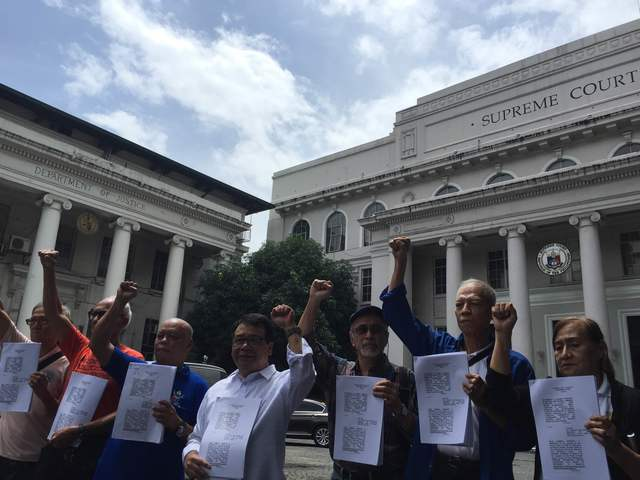 Martial Law victims ask SC to stop Marcos hero's burial
