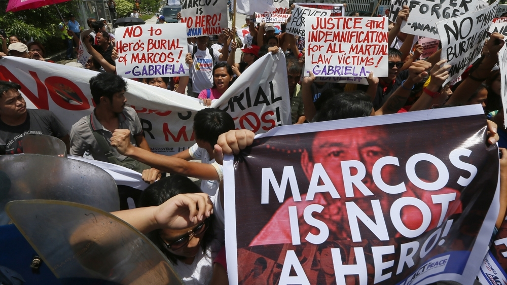 Former Philippine first lady Imelda Marcos faces jail over fraud 2