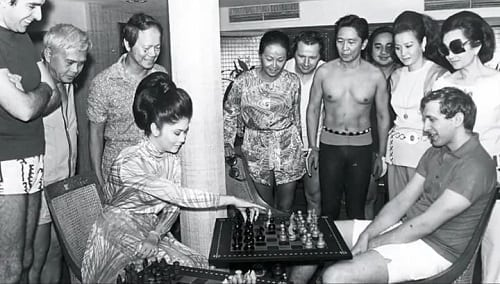 10 Lesser-Known Photos from Martial Law Years That Will Blow You Away 5
